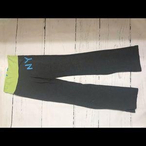 Aero Yoga Small/ petite active leggings Green/Gray